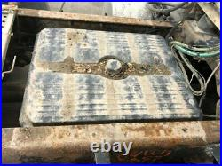 2004 Freightliner COLUMBIA 120 Aluminum/Poly Battery Box Length 32.00