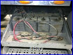 2005 Freightliner CLASSIC XL Aluminum Battery Box Length 32.00 Width 25.5