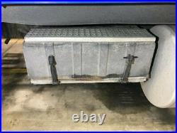 2005 Freightliner COLUMBIA 120 Aluminum/Fiberglass Battery Box Length 31.50