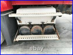 2007 Volvo VNL Steel/Aluminum Battery Box withCover & Air Tanks