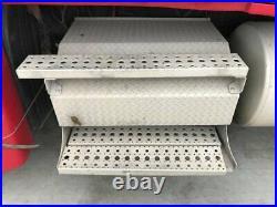 2009 Freightliner CASCADIA Aluminum Battery Box Length 33.50 Width 26.0