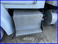 2009 Kenworth T370 Steel/Aluminum Battery Box Length 30.75 Width 33.0
