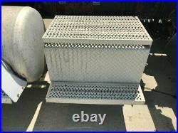 2009 Peterbilt 386 Aluminum Battery Box Length 30.00 Width 19.0