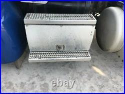 2010 Peterbilt 384 Aluminum Battery Box