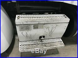 2013 Peterbilt 386 Aluminum Battery Box Length 31.00 Width 24.0