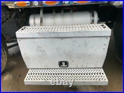 2014 Peterbilt 579 Aluminum Battery Box Length 30.50 Width 27.0