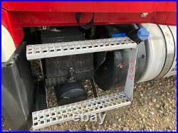 2014 Volvo VNL Aluminum/Poly Battery Box Length 33.00