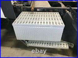 2015 Freightliner CASCADIA Aluminum Battery Box withBent Step